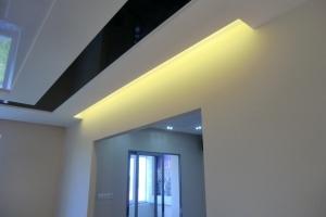 Ниша скрытой подсветки. Светодиодная подсветка потолка.